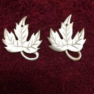 Jewelry - Vintage mother of pearl earrings